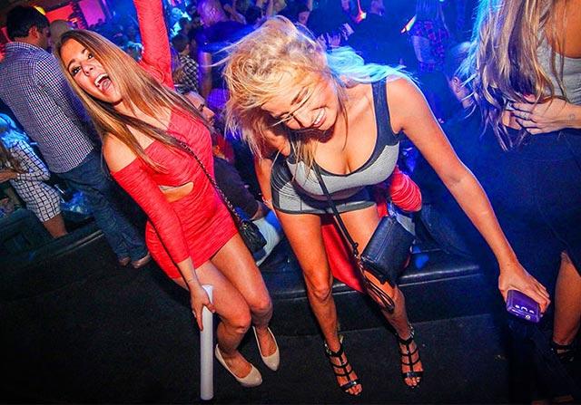 schnell Frauen für Ficktreffen im Club finden