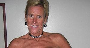 Cougar mit dicken Titten hat Bock auf Sexdates
