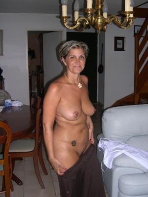 Reife Witwe sucht einen netten Mann für eine lockere Beziehung…