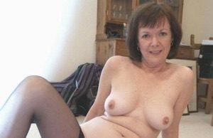 Notgeile Hausfrau aus Homburg braucht sofort Sex!