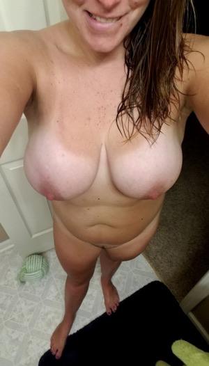 Scharfe Hausfrau sucht Sexabenteuer