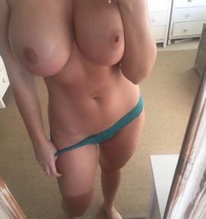 Junges, hübsches Mädchen sucht Sextreffen in Jena