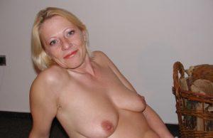Reiche Cougar sucht jungen Lover in Schwerin